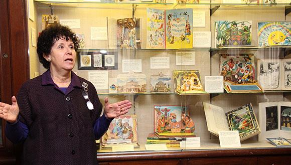 Ellen Rubin, The Pop-Up Lady, giving a tour of Kubašta's children's books