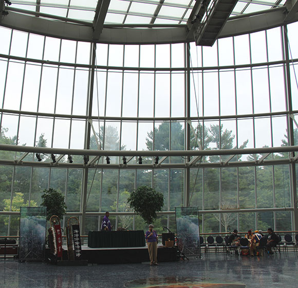 Traditional story-telling in the Gathering Space at the Mashantucket Pequot Museum